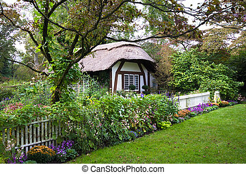 Cottage - Charming English style cottage in the garden