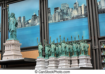 Travel Photos of New York - Manhattan - Gift shope of the...