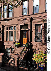 Travel Photos of New York - Manhattan - An old house in...