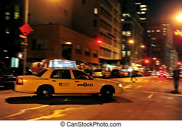 Travel Photos of New York - Manhattan - Yellow taxi cab at...