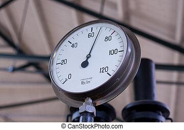 Pressure gauge - an old pressure gauge