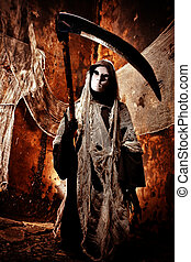 death reaper - Frightening death in an abandoned house....