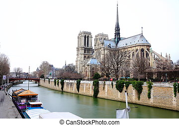 Notre Dame and Seine river - Back of Notre dame and seine...