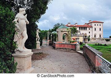Miami Vizcaya museum garden with statue