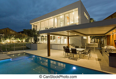 Superb backyard - Modern backyard with swimming pool in...