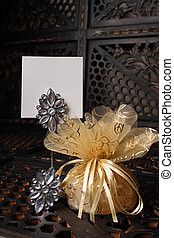 Golden Favour with Crystals - Golden wedding favour with...