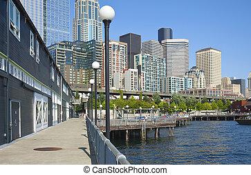 Seattle waterfront promenade. - Seattle waterfront promenade...