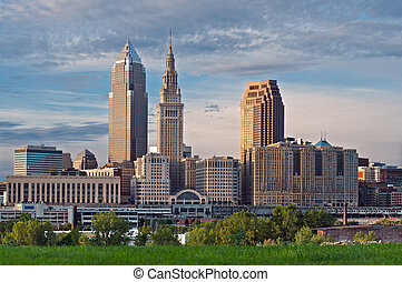Cleveland - Image of Cleveland downtown skyline at sunset