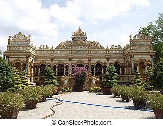 Vinh Trang Pagoda near the Saigon city