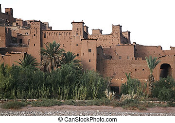 kasbah aitbenhaddou front - kasbah ait benhaddou front view