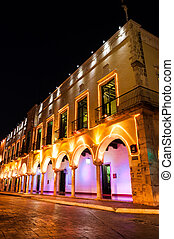 Night shot of a building in Valladolid, Mexico - Colorful...