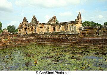 Muang Tam Castle