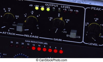 Output level, Audio equipment