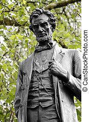 Lincoln statue in Parliament Square