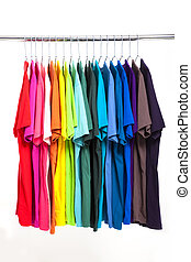 coloridos, T-shirt, cabides, isolado, branca