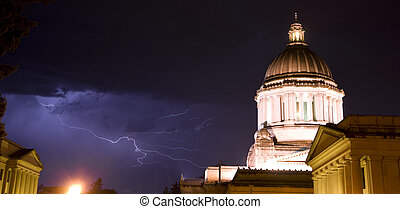 Capital Storm - A rare thunderstorm for the Olympia...