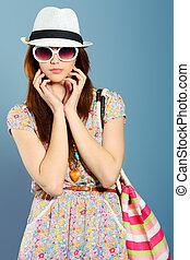 occhiali da sole, cappello