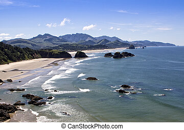 Cannon Beach Oregon - View of Cannon Beach Oregon