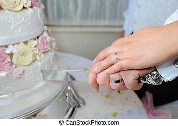 Bride & Groom cut cake