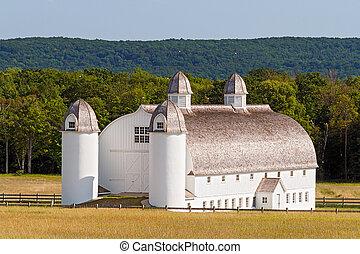Huge Old White Barn - Huge white 19 Century barn on the...