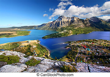 Waterton Lakes National Park - Watertown Lakes National Park...