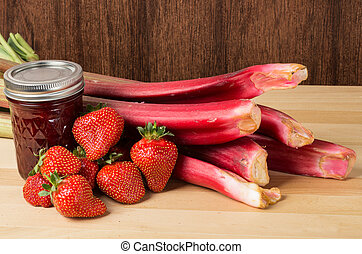 Strawberry rhubarb jam with berries and rhubarb - Strawberry...