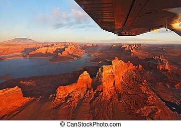 Magnificent lake on a sunset - Magnificent lake Powell on a...