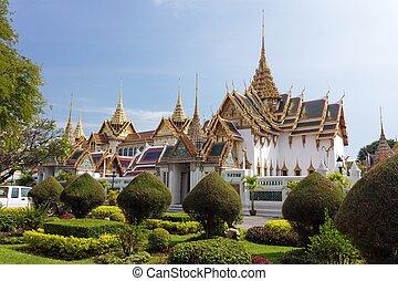 Bangkok royal palace - Bangkok luxurious royal palace and...