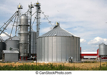metal grain facility with silos - Metal grain silos for...