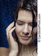 Beautiful girl in the water - Images of a beautiful girl in...