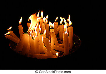 Group of candles picture - Portrait of beautiful burning...
