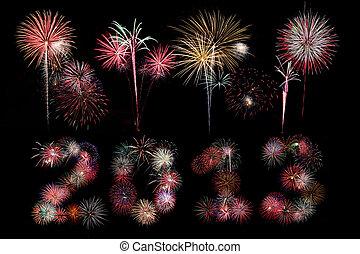 The year 2013 written in fireworks below bursts