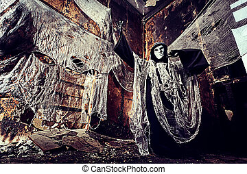abandoned - Frightening death in an abandoned house....