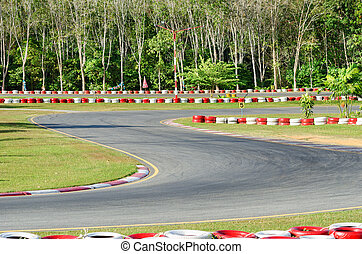 Turn on a empty race car circuit. - Karting - turn on a...