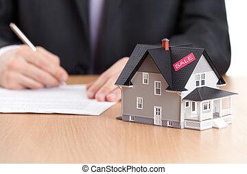 casa, contrato, atrás, arquitectónico, señales, hombre de negocios, modelo
