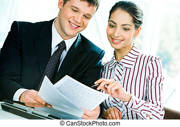 Discussion of business-plan - Image of discussion of a new...