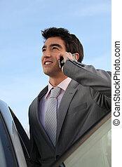 hombre de negocios, teléfono, luego, coche
