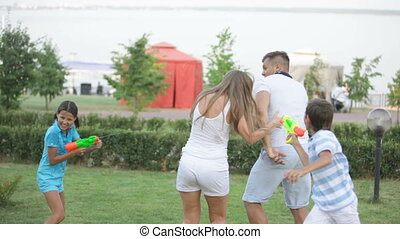 Battlefield - Kids attacking parents with water guns, mom...