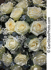 White rose flower arrangement - Flower arrangement with big...