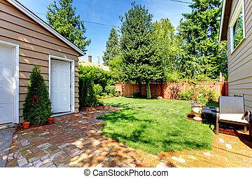 bilder von garage haus grau zwei doors amerikanische. Black Bedroom Furniture Sets. Home Design Ideas