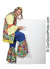 hombre, Llevando, Hippy, disfraz, Señalar, blanco,...
