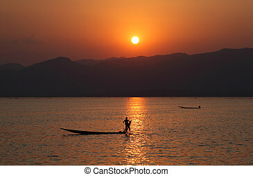 Inle lake sunset - Inle lake, Myanmar