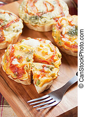 Mini Quiche Lorraine with vegetable - Mini Quiche Lorraine...