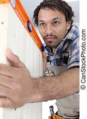 trabalhador, verificar, nível, madeira, PORTA