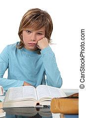 Um, aborrecido, criança, estudar