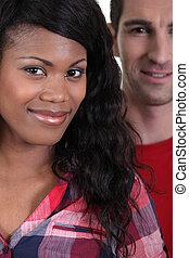 interracial, pareja, sonriente