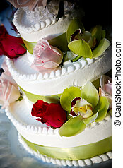 wedding cake - a fancy wedding cake decorated with flowers
