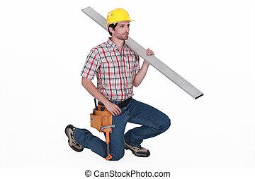 trabalhador, ajoelhando, BAIXO