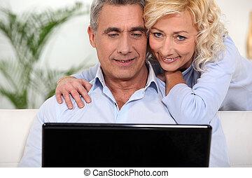 pareja, Surfeo,  internet, juntos, casado