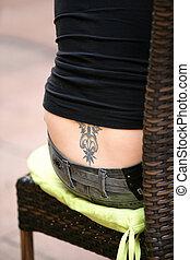 tatuagem, abaixar, mulher, costas, dela